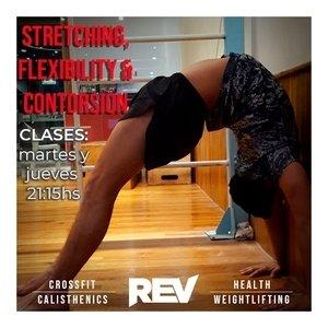 REV Microcentro - FLEXIBILITY, STRETCHING &CONTORSION Elongá y estirá tus músculos, amplía tus rangos articulares y consiguí posturas increíbles mientras entrenás la fuerza y el control motor.