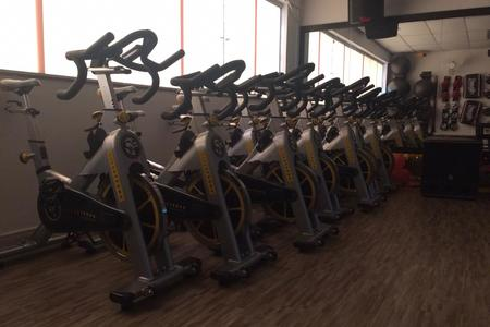 Academia V10 Fitness -