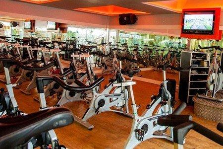 Academia Dalmo Ribeiro - Sala de bike indoor da Academia Dalmo Ribeiro Unidade 706 Norte