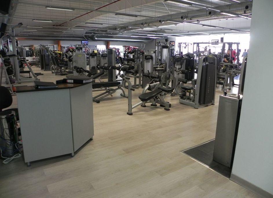 Gimnasio vector fitness don benito extremadura calle - Gimnasio espana industrial ...