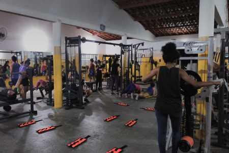 Academia W12 Fitness