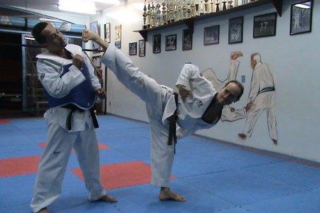 FECHADO - Academia Abreu - Sala de lutas da Academia Abreu