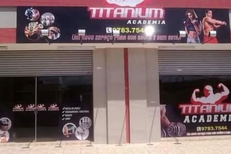 Academia Titanium -