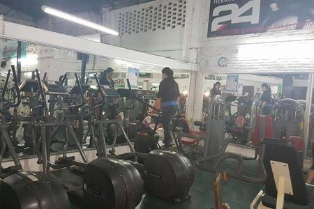 24 Fit Club Gym -