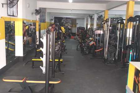 Academia Gold Star Fitness -