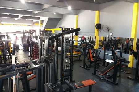 Academia Mega Fitness -