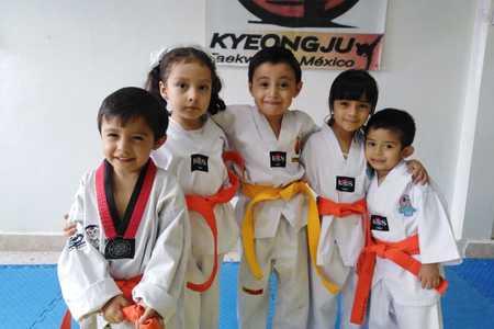 Escuela Taekwondo Kyeongju Onofre Neza BB -
