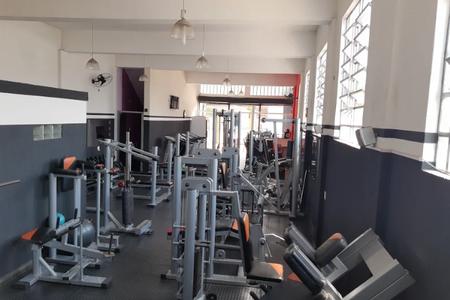 Academia Four Too Fitness