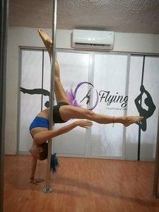 Flying Pole Fitnes Studio