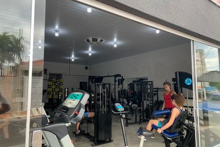 Iron Gym Academia