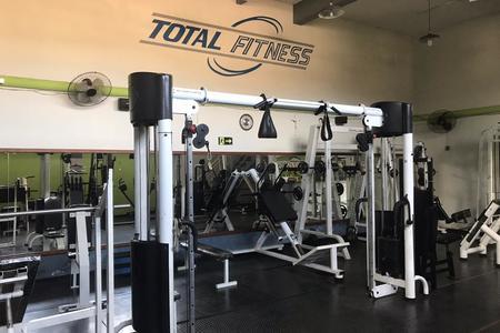 Academia Total Fitness -