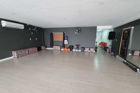 Poz-E Dance Studio -