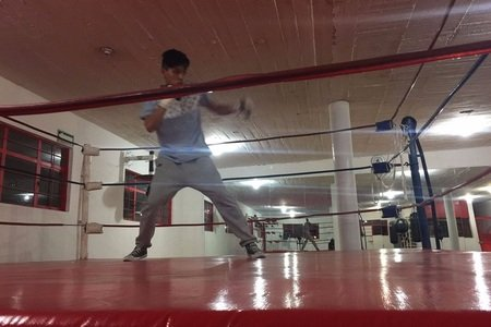 Más Bax / Training Center