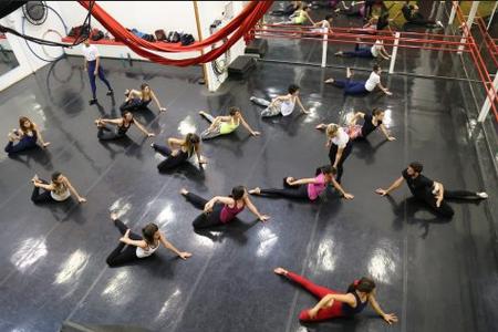 FECHADO - Studio Noyanne Circo -