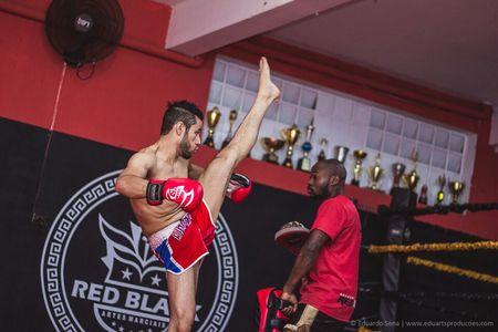 Red Black Artes Marciais